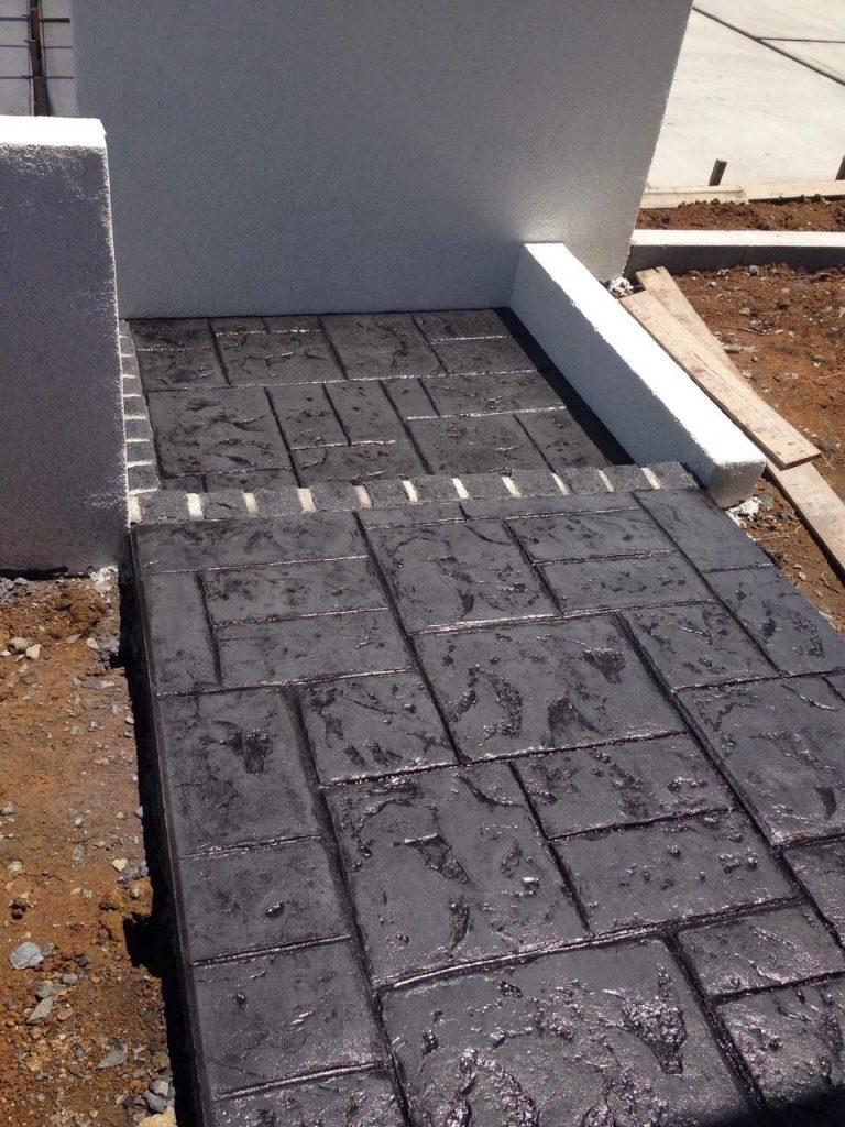 ブラックがかっこいいスタンプコンクリート03