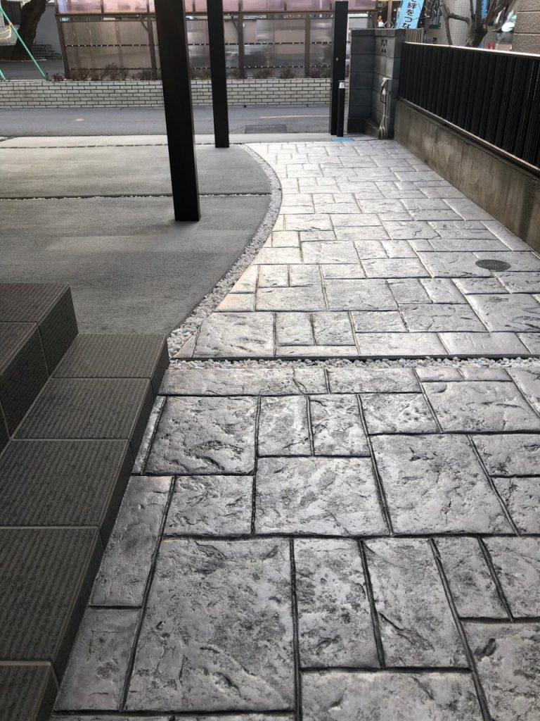 玄関アプローチのスタンプコンクリート