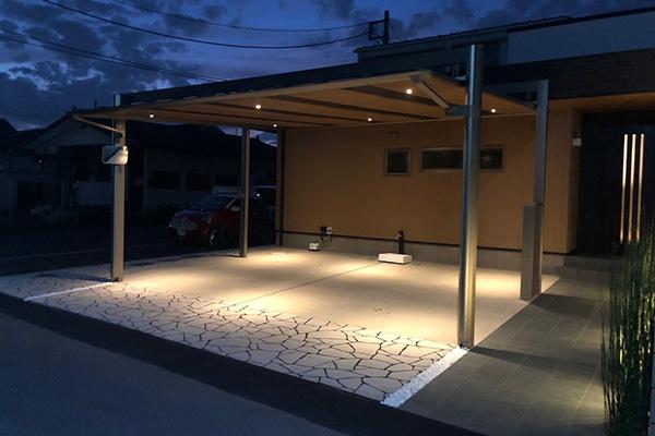 間接照明にこだわった外構リフォームの施工例~カーポート屋根のダウンライト~